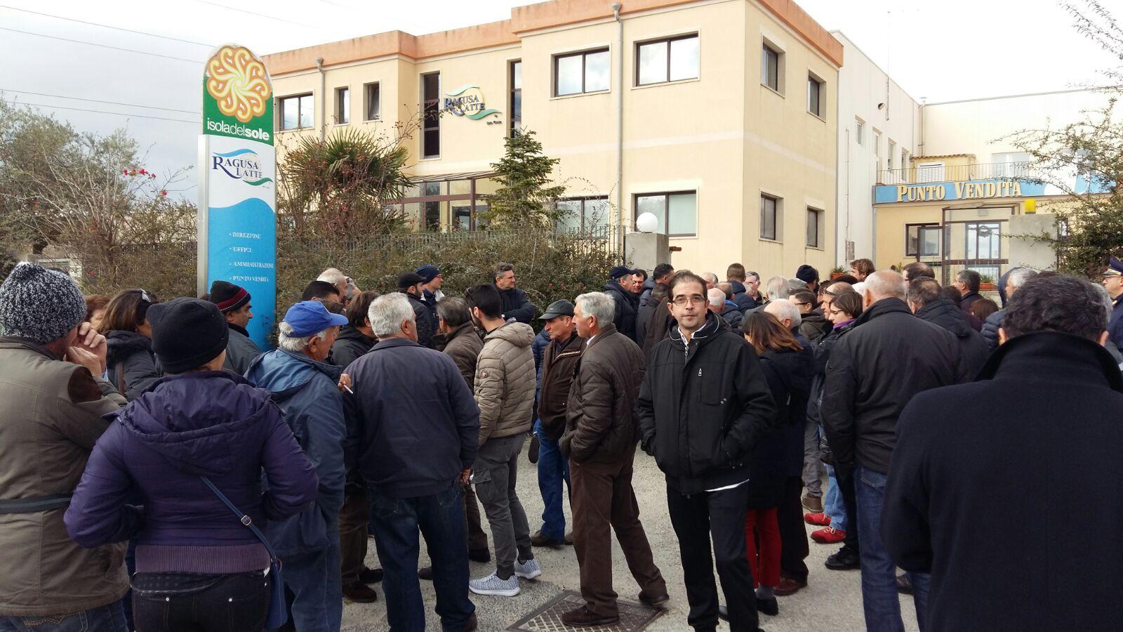 Ragusa, gli allevatori in protesta