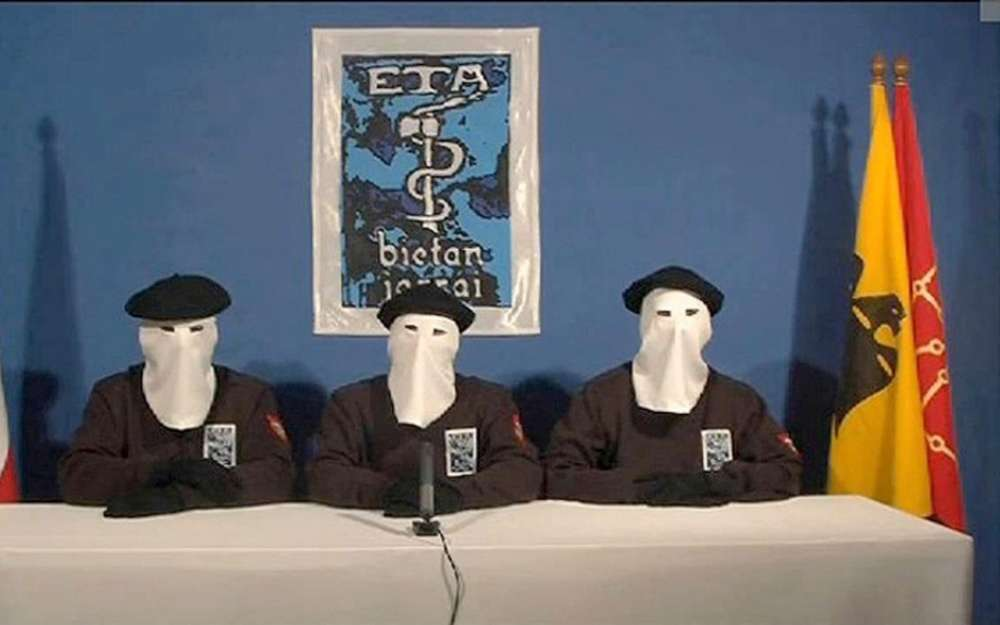 Euskal Herria. ETA consegna le armi