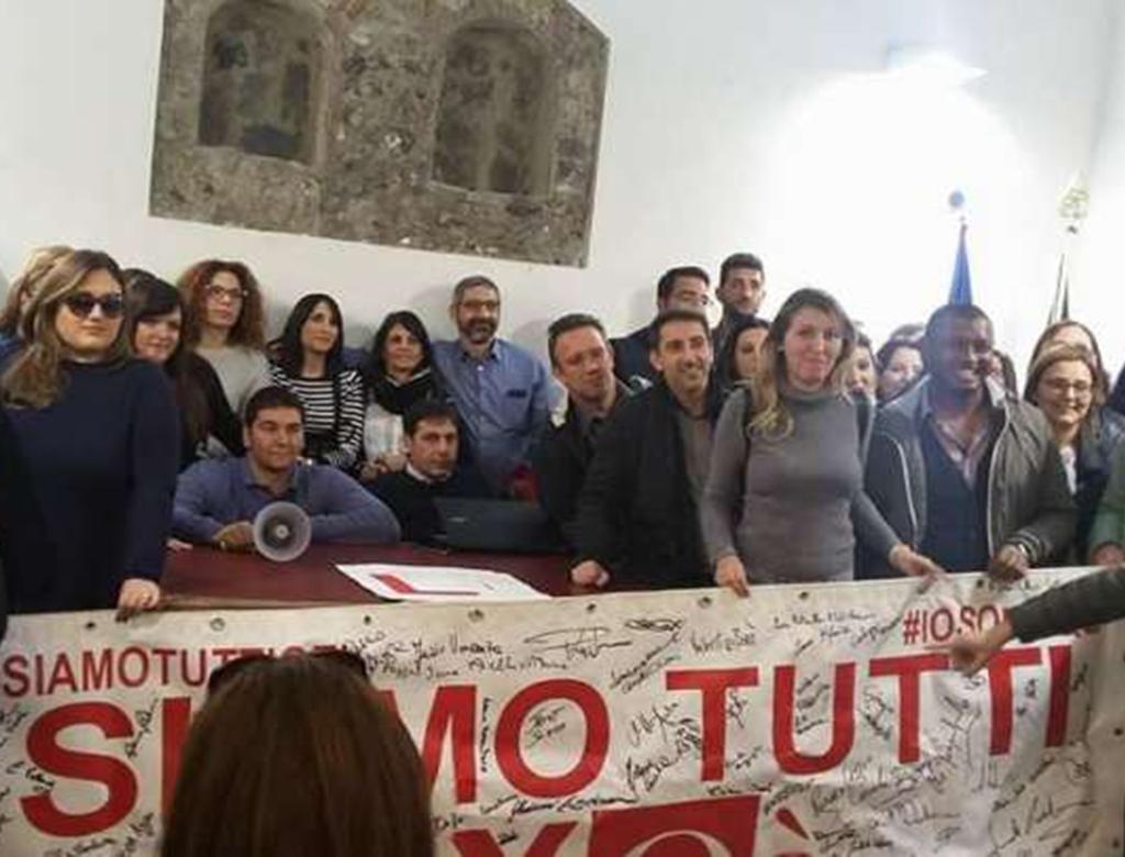 Lavoratori del call center Qè occupano il comune di Paternò.