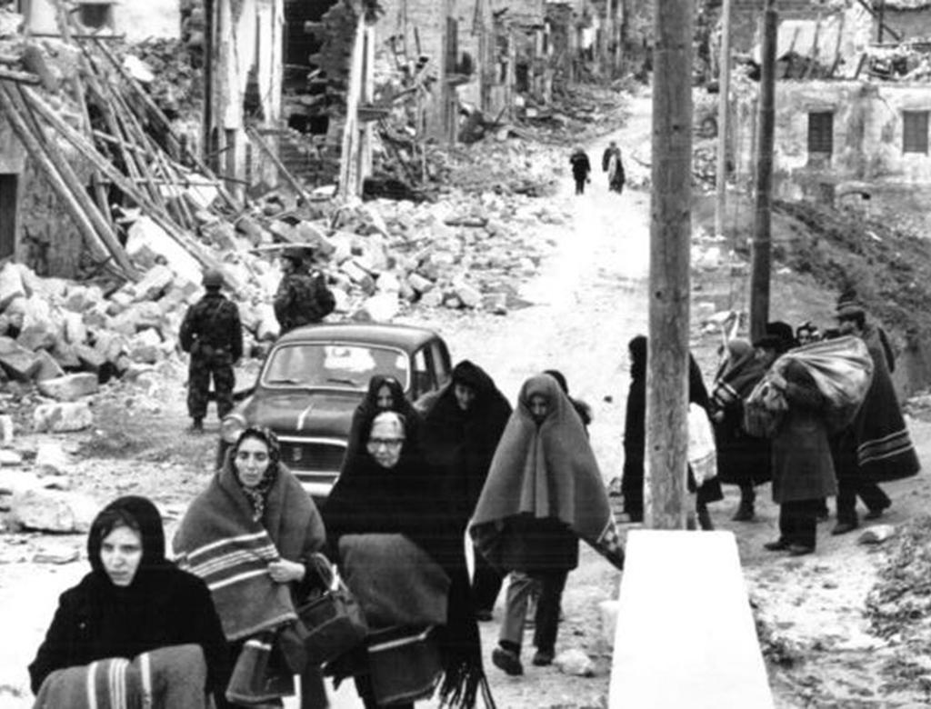 14-15 gennaio 1968, Belice: la terra trema, la politica dimentica. Danilo Dolci guida la rivolta