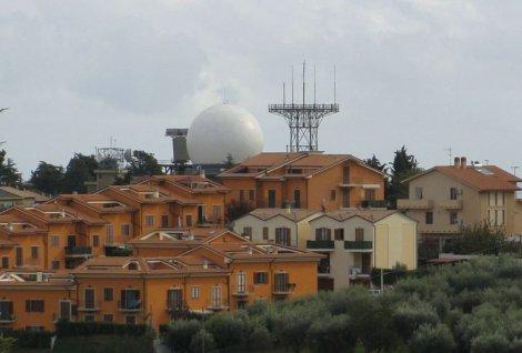 A Lampedusa lo Stato distrugge il territorio e installa radar militari