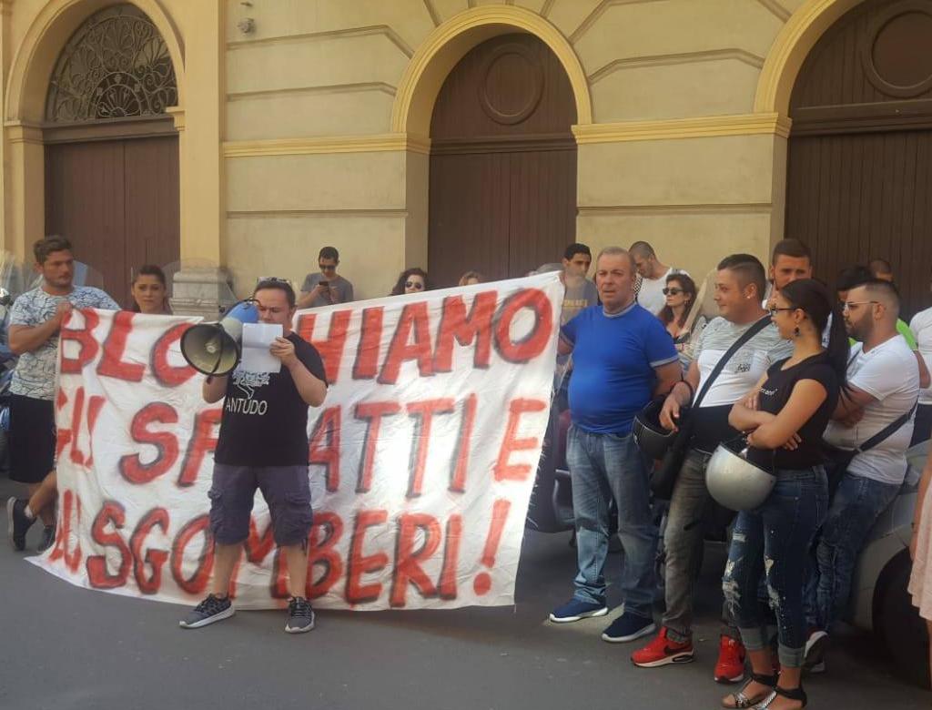 A Palermo presidio per il diritto alla casa.