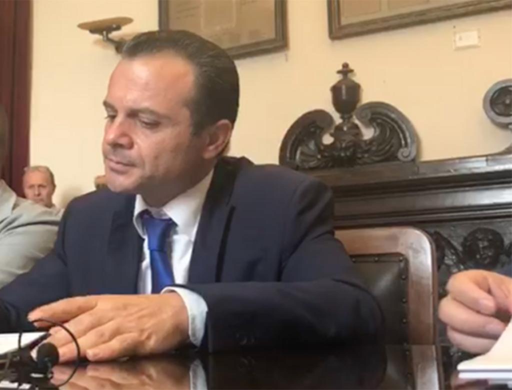 Dissesto del Comune di Messina e dimissioni del sindaco.
