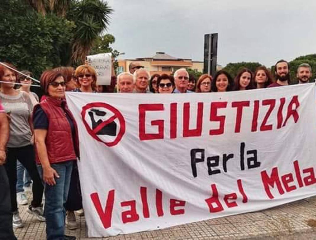 Processo alla Raffineria di Milazzo, presidio davanti al Tribunale.