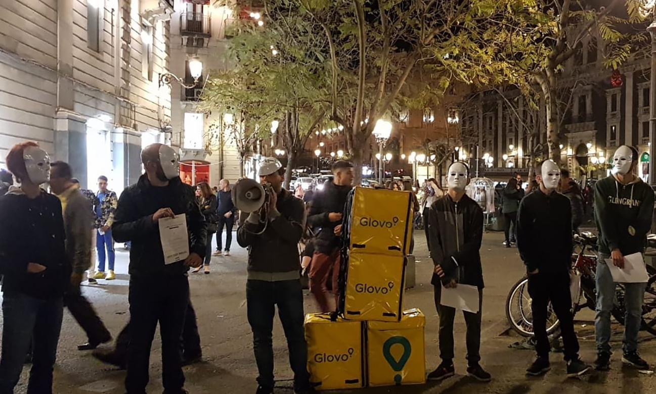 Catania: riders Glovo in presidio contro le condizioni di sfruttamento