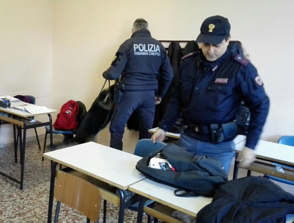 """Sicilia, """"Operazione scuole sicure"""": più soldi per il controllo, meno per la formazione"""