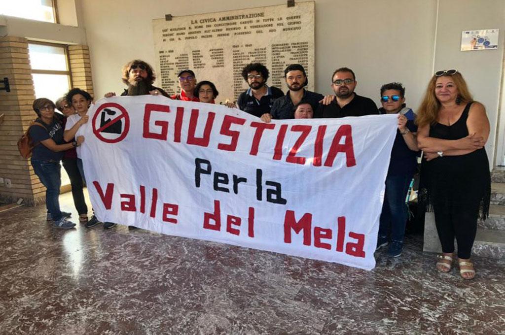 Pace del Mela (ME), occupato il Comune: «difendiamo il piano paesaggistico»