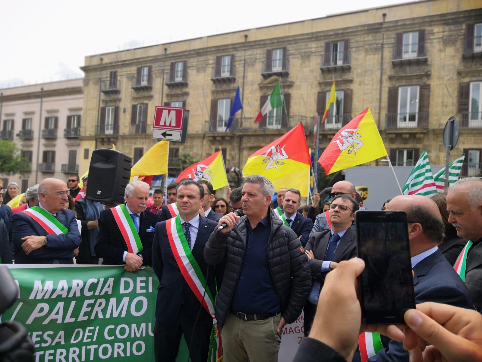 Palermo: marcia dei sindaci a difesa del territorio