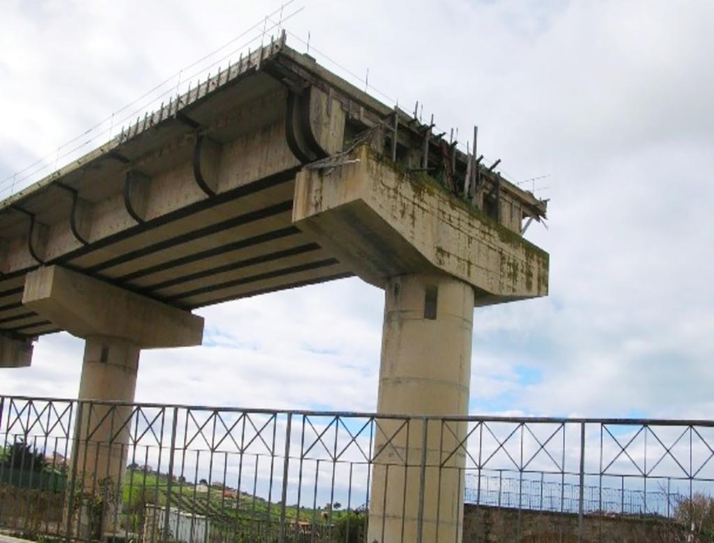 Tutti contro tutti nel disastro delle infrastrutture siciliane