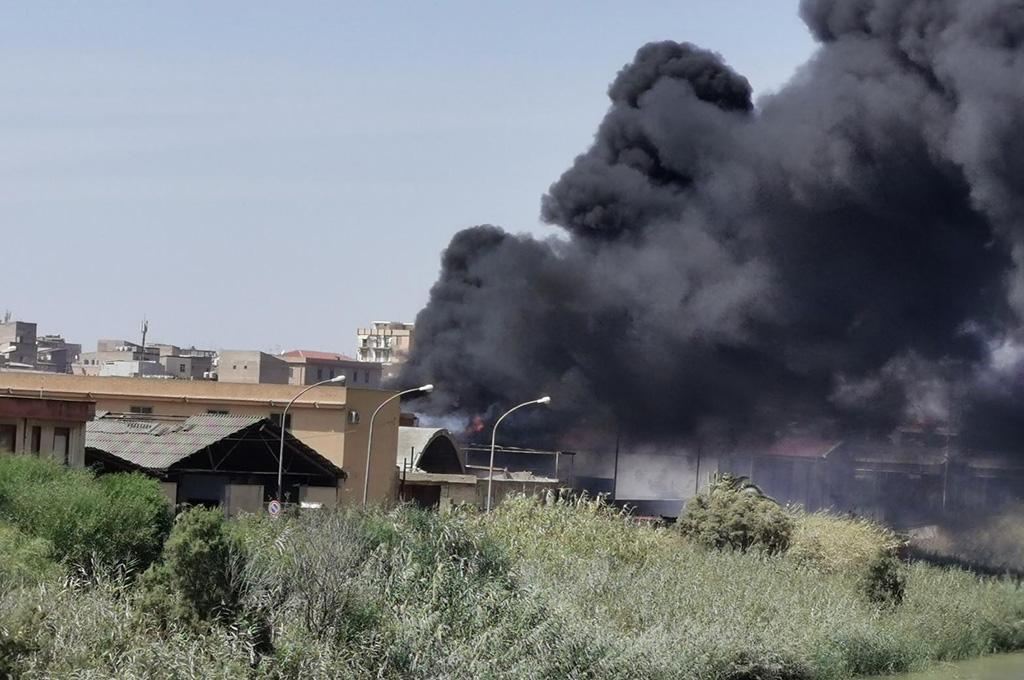 A fuoco rifiuti pericolosi nell'ex mattatoio di Licata