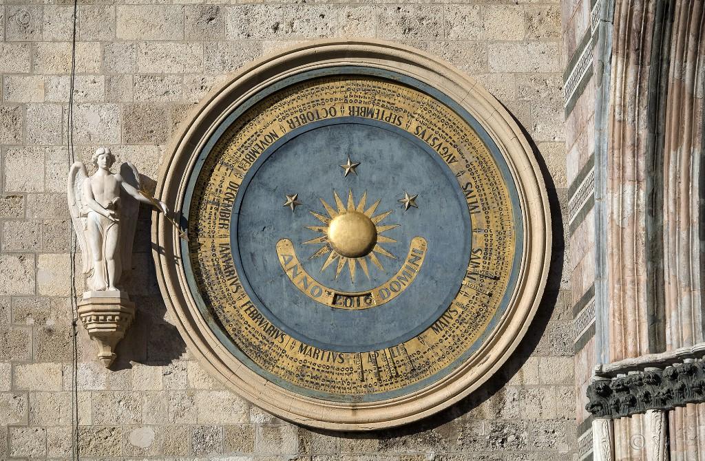 Il Campanile del Duomo di Messina. La parte inferiore