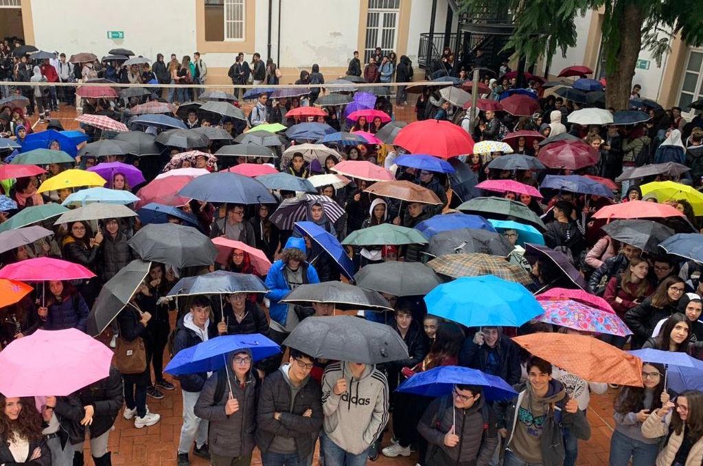 Palermo, occupato Liceo Scientifico Benedetto Croce: «la scuola cade a pezzi»