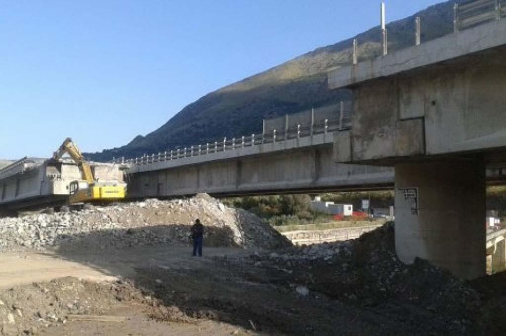 Infrastrutture: Musumeci attacca l'Anas, ma nasconde le sue responsabilità