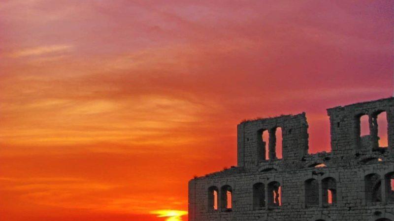 La cattedrale sul mare di Sampieri: storia della Fornace Penna