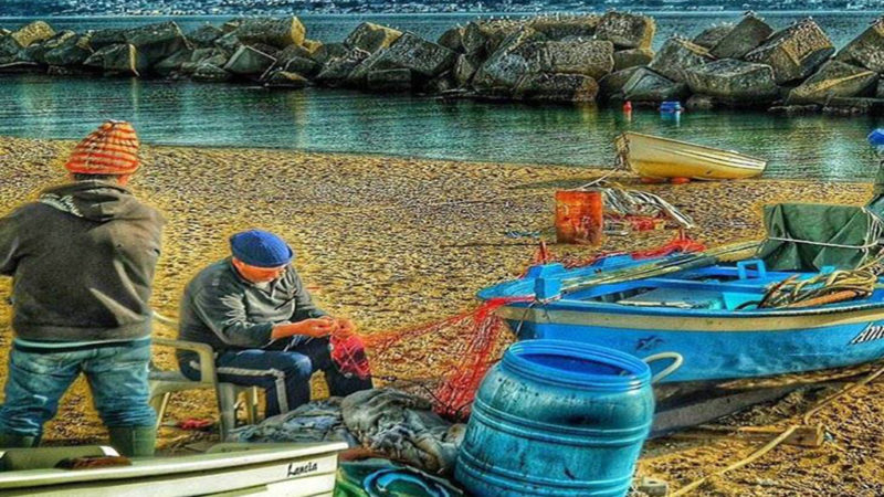 Messina, disoccupato multato. Pescava per sfamare la famiglia