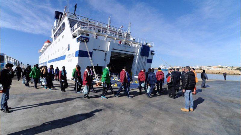 Emergenza migranti a Lampedusa: «chiudere l'hotspot e l'isola»