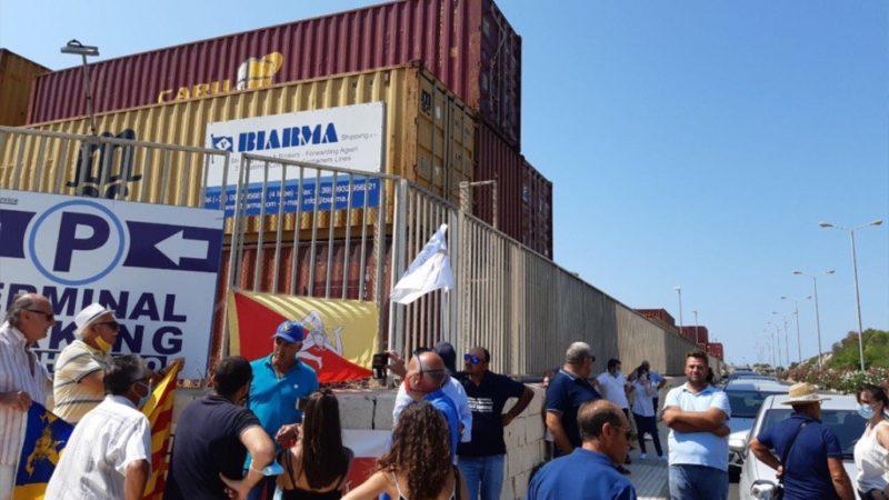 Pozzallo (RG): manifestazione per fermare la nave piena di grano canadese
