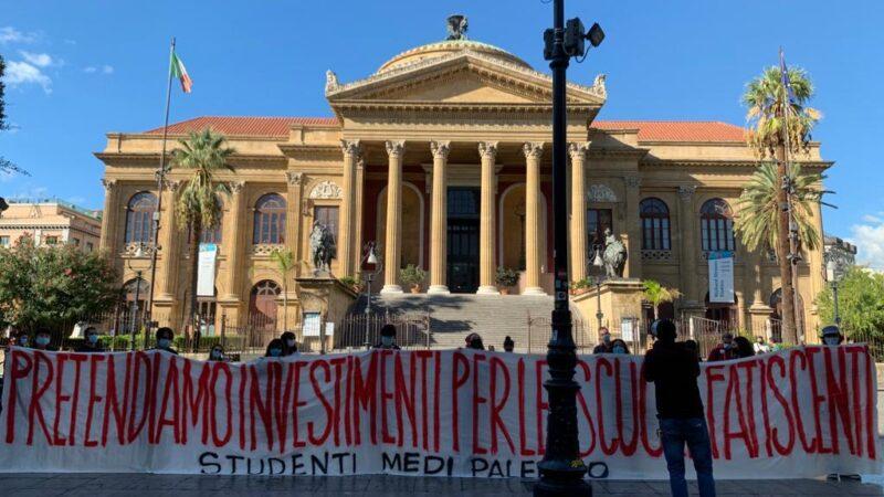 Palermo: presidio studentesco. «Pretendiamo investimenti per le scuole fatiscenti».