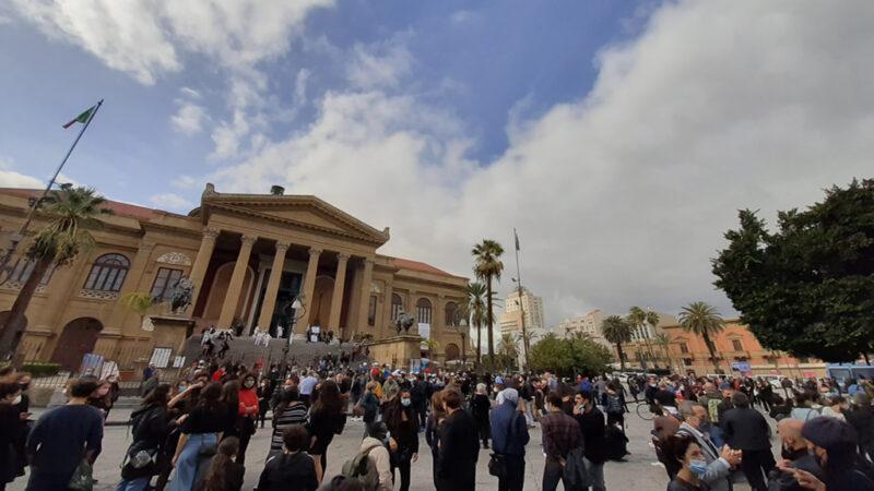 Palermo e Catania: il mondo dello spettacolo scende in piazza