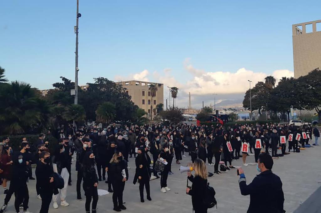 Messina, lavoratori dello spettacolo in piazza: «ora basta!»