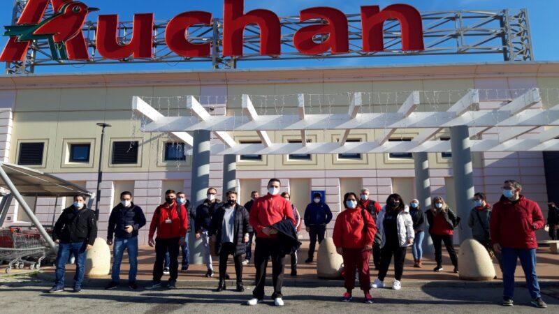 Lavoratori ex Auchan di Carini: «chiudiamo senza garanzie»