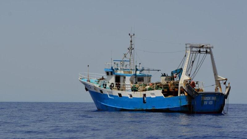 Soldi alle famiglie. Ma i pescatori restano in Libia