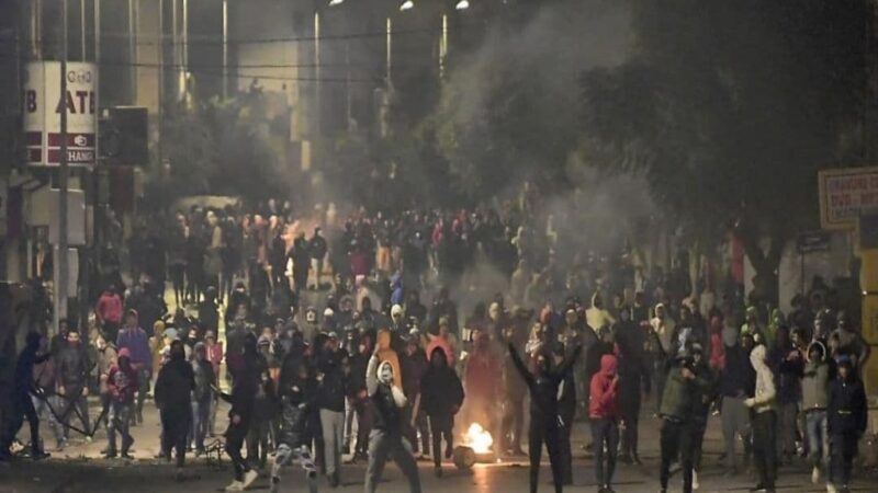 Tunisia, la rabbia popolare nelle piazze non si ferma