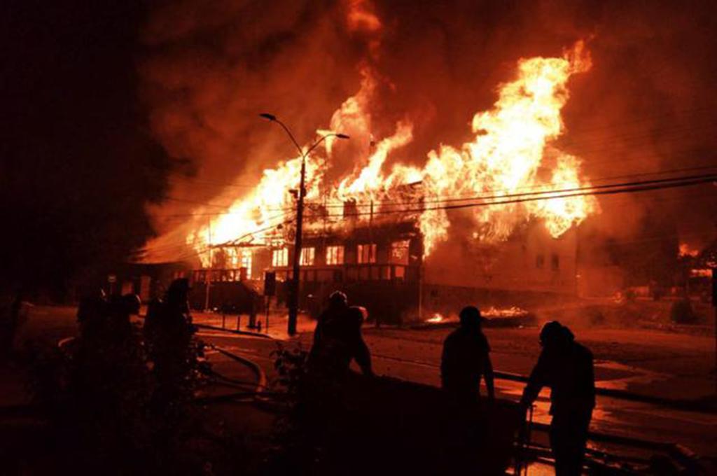 Cile in fiamme dopo l'ennesimo omicidio di Stato