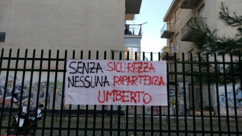 «Senza sicurezza nessuna ripartenza». Striscioni nelle scuole di Palermo