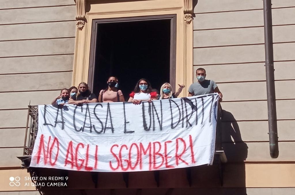 Palermo: famiglie in emergenza occupano l'assessorato alla casa