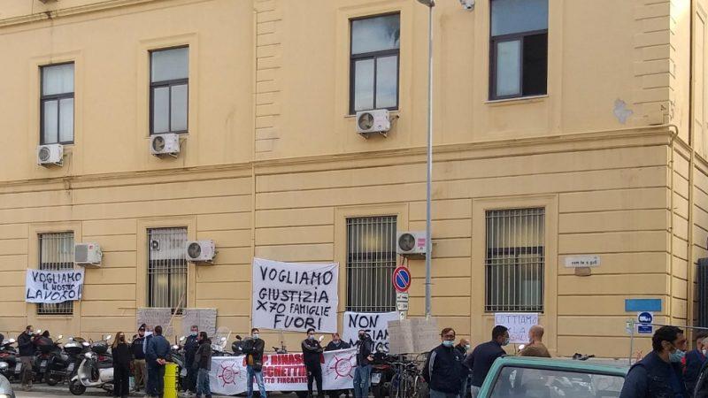 Palermo: operai dell'indotto dei cantieri navali ancora in lotta per la riassunzione
