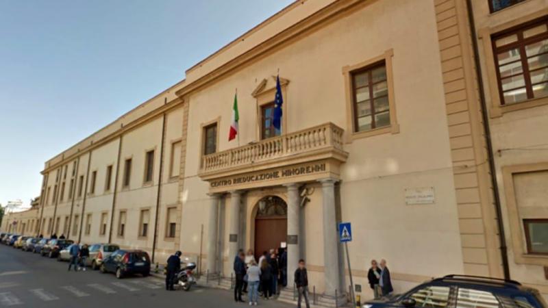 Carcere Malaspina di Palermo, scoppia la rivolta dei detenuti