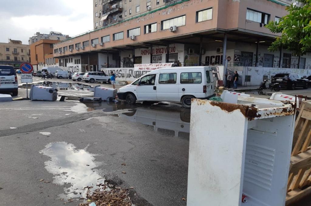 Palermo, Borgovecchio: liquami in strada, protestano gli abitanti