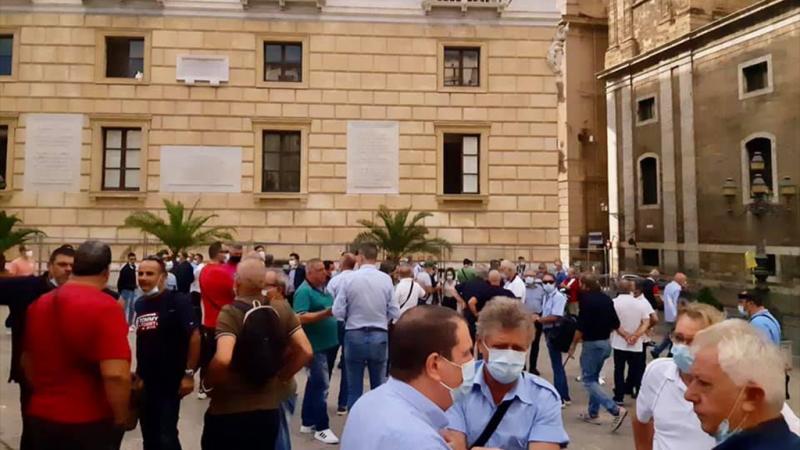 Palermo: manifestazione al Comune dei lavoratori AMAT